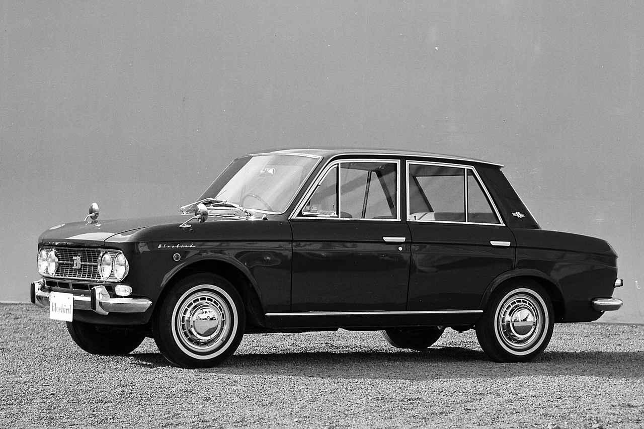 画像: ピニンファリーナがデザインしたボディは、先代の310型とはまったく違うスタイルとなった。