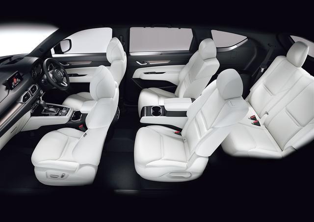 画像: CX-8の室内空間の全幅は1540mmもあり、大人がゆったりとくつろげる。