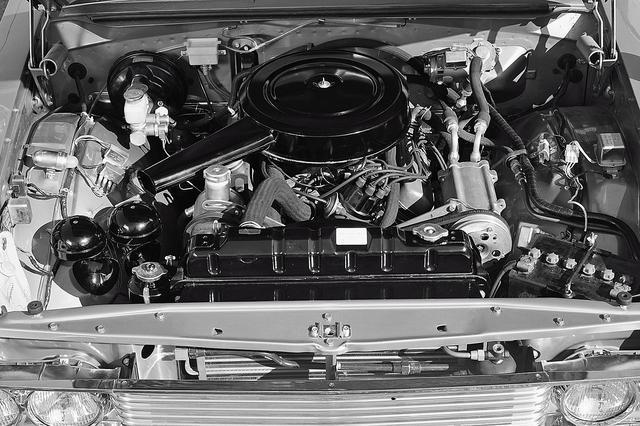 画像: プレジデントの性格上、最高出力より最大トルクの発生域を重視した4LのV8 OHVエンジン。