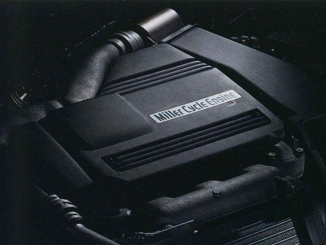 画像: 量産車初のミラーサイクルエンジン。バルブを遅く閉じて、相対的に膨張比を大きくすることで燃焼効率を上げている。