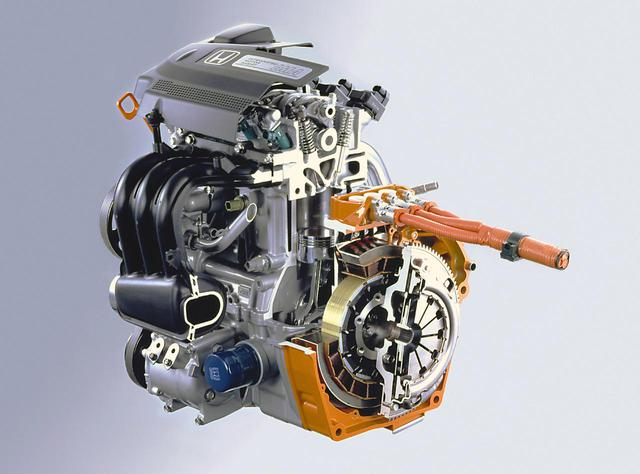 画像: モーターが常にエンジンとつながり走行の補助をする、シンプルなパラレルハイブリッド方式がホンダIMAシステムだ。