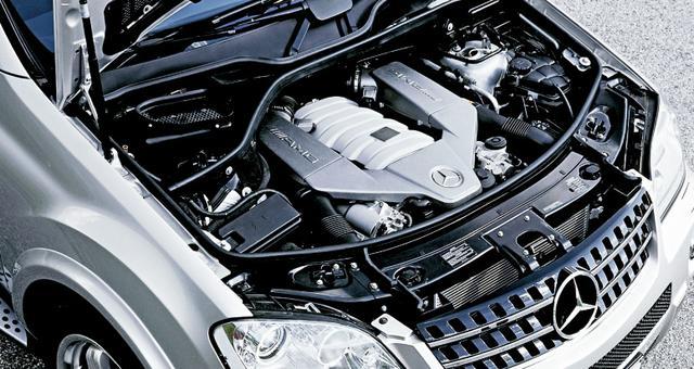 画像: 510psの6.2L V8エンジンを搭載したことにより、ML 63 AMGが世界最強のSUVとなった。