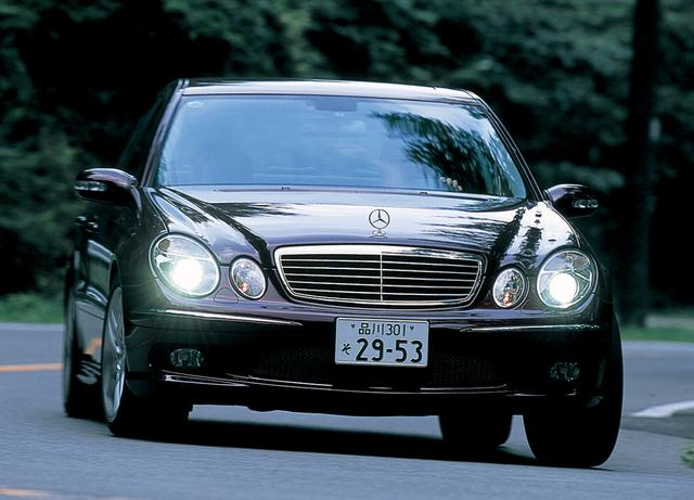 画像: 日本では2002年に導入されたメルセデス・ベンツE55AMG。セダンモデルのほか、ステーションワゴンもある。