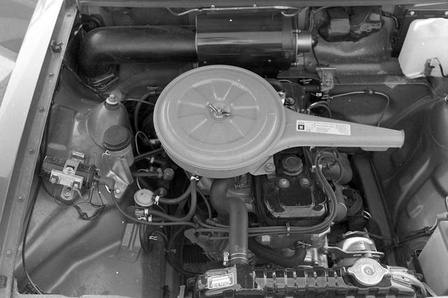 画像: 1.6Lの直4SOHCエンジンは、100ps/14.0kgmと当時としては十分なパワースペックを発生していた。