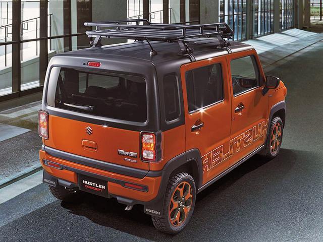画像: オプション装着車。2トーン塗装はクロスカントリー車の幌やハードトップから発想を得ている。