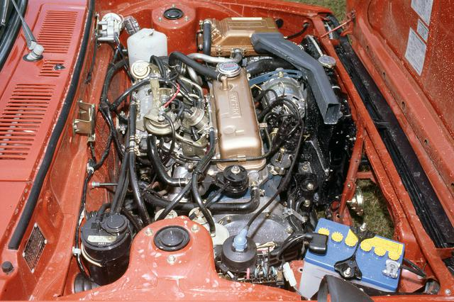 画像: サニーなどで定評のあったA型エンジンを横置き搭載し、前輪を駆動。写真はEGIを採用したA14E型。