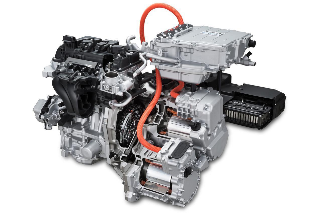 画像: ノートe-POWERのパワートレーン。エンジン、発電機、インバーター、バッテリー、駆動用モーターの組み合わせで、シンプルなシリーズハイブリッド方式だ。