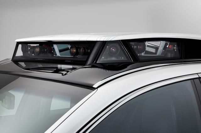 画像: 2020年夏、トヨタはレクサスLSをベースとした自動運転実験車「TRI-P4」でレベル4自動運転車の同乗試乗を東京・お台場地区で実施する。