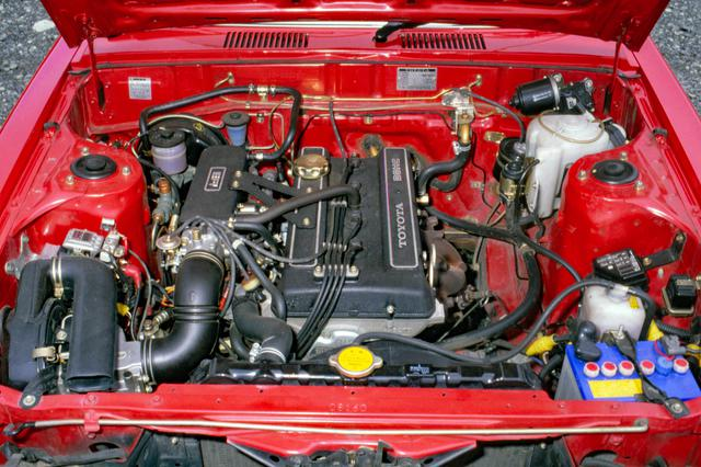 画像: 2Lの直4 DOHCエンジン、18R-G型はEFIを装着して135ps/17.5kgmを発生。