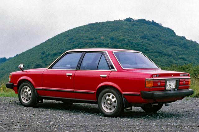 画像: 直線基調のボクシーなセダンスタイルは、ベース車とGTグレードで大きな違いはない。