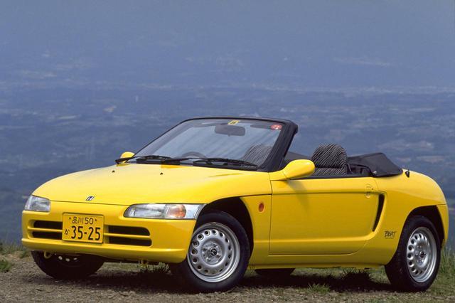 画像: 軽自動車のスポーツモデルにおいて過給機付きエンジンが主流の中、ホンダビートはNAエンジンを採用。スロットルレスポンスや高回転域での気持ちの良さはあったものの、加速力でライバルに劣っていたという。