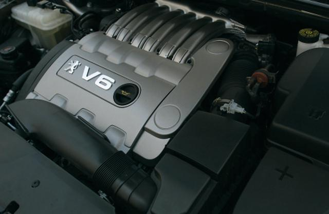 画像: エンジンは3L V6(210ps)と2.2L直4(160ps)、2.7L V6ディーゼル(205ps)の3種。写真は3L V6エンジン。
