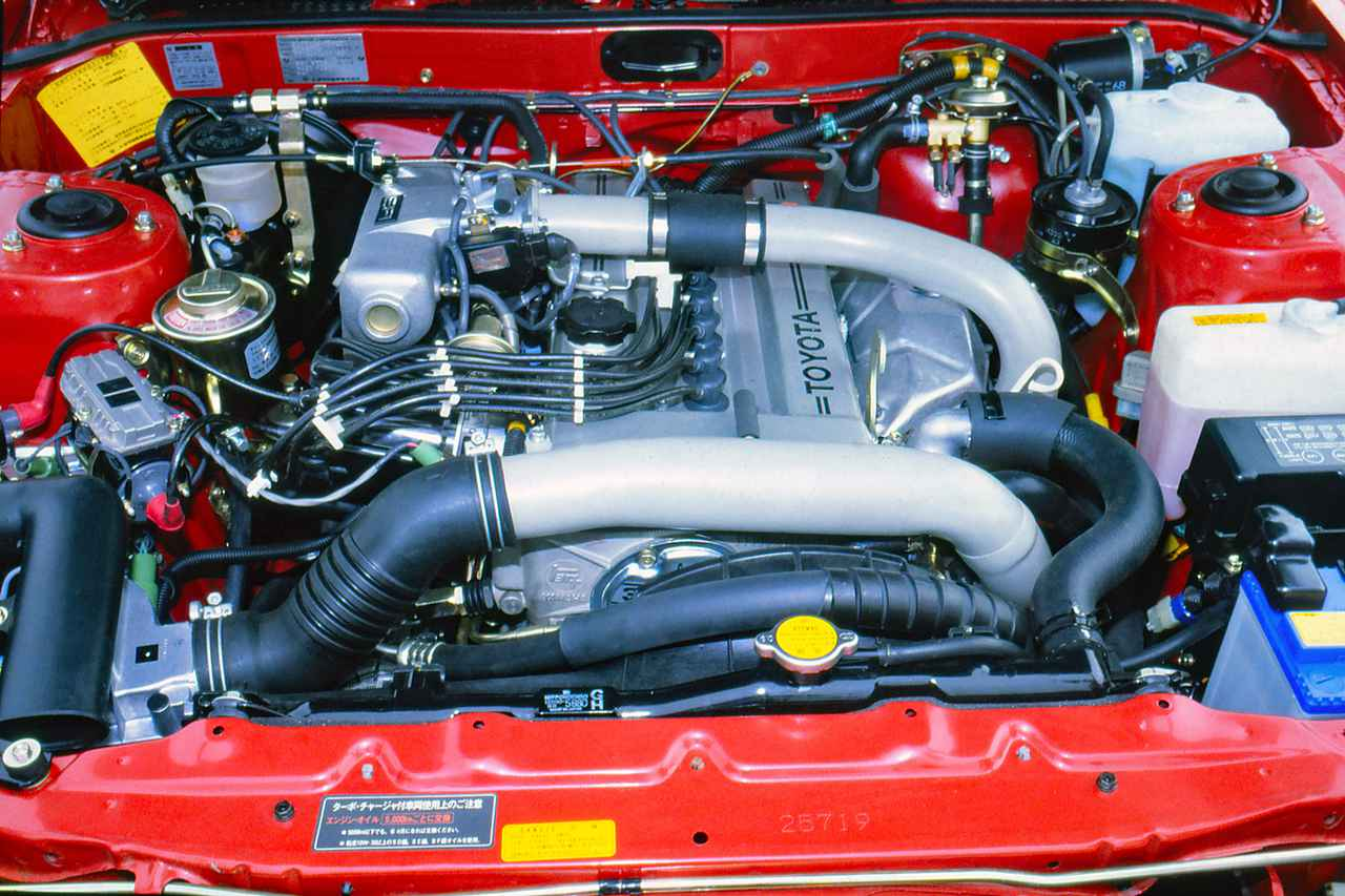 画像: 3T-GTEUは2バルブDOHCだがターボを装着して160ps/21.0kgmのハイパフォーマンスを発揮した。