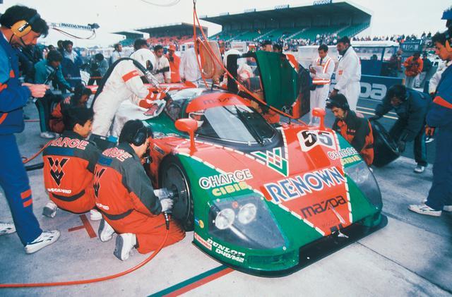 画像: 1991年、ザウバー C11メルセデス、ジャガーXJR12ら強豪を退けてル・マン制覇を成し遂げたマツダ787B。