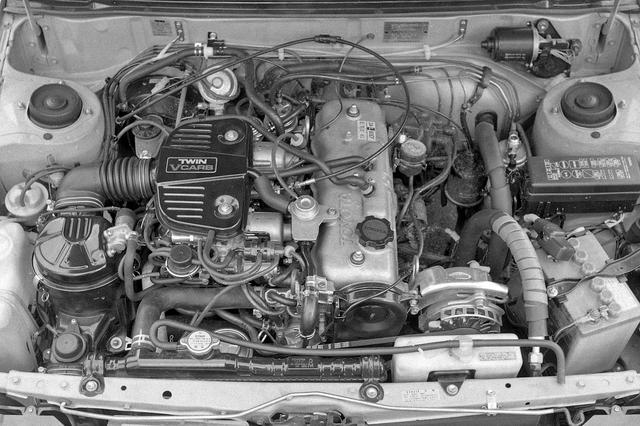 画像: 1.5Lの直4 SOHCを縦置き。パワフルではないが実用的なエンジンだった。