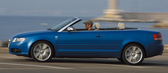 画像: 4.2L V8エンジンを搭載したスポーツモデル、S4カブリオレ。