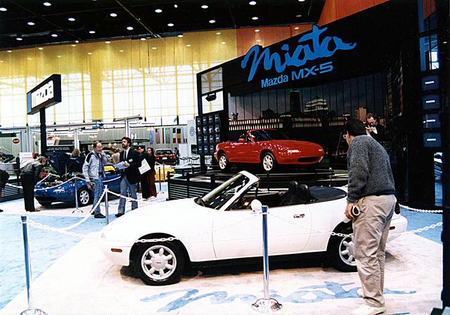 画像: 1989年のシカゴショーで初披露されたMX-5 ミアータは、アメリカのメディアで絶賛された。