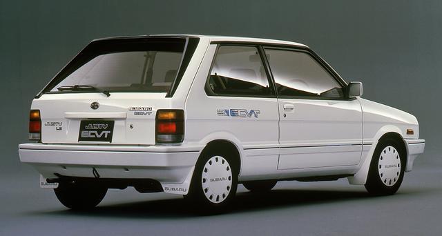画像: 量産車では世界で初めてECVT(無段変速機)を採用したモデルも1987年に追加された。