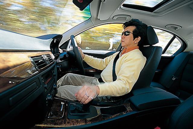 画像: 「BMWの中にあってベーシックな存在だが、3シリーズは駆けぬける歓びのテイストを色濃く感じることができる」と語る河村康彦氏。