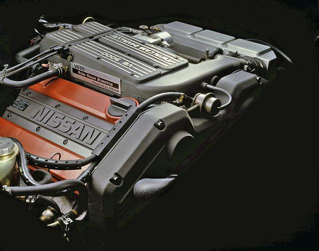 画像: トップグレードのアルティマは日本初のV6 4カム24バルブのVG30DE型エンジンを搭載。