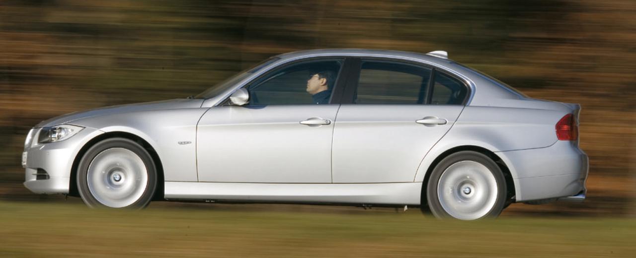 Images : 4番目の画像 - BMW 330xiと330d - Webモーターマガジン