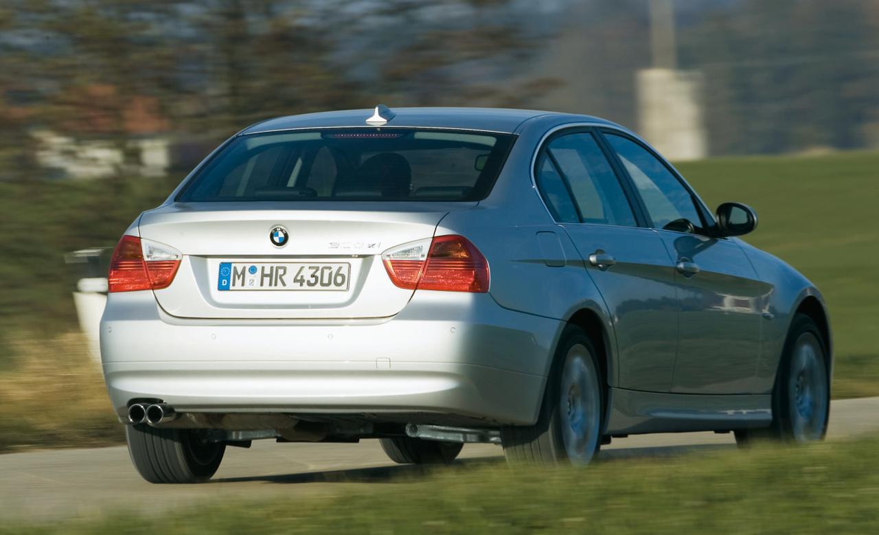 Images : 3番目の画像 - BMW 330xiと330d - Webモーターマガジン