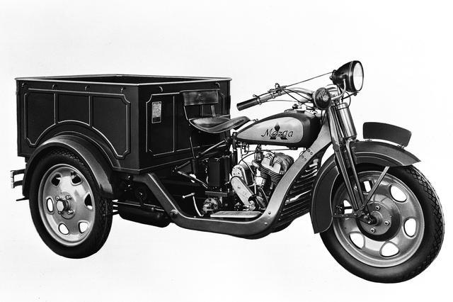 画像: 初の自動車が、1931年に製造されたDA型3輪トラック「マツダ号」。