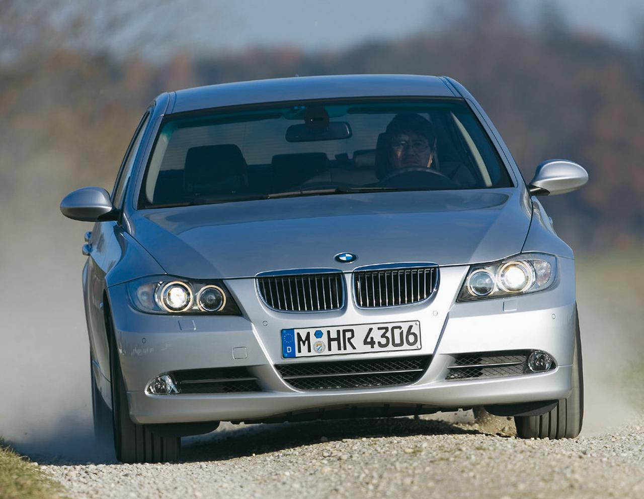Images : 2番目の画像 - BMW 330xiと330d - Webモーターマガジン