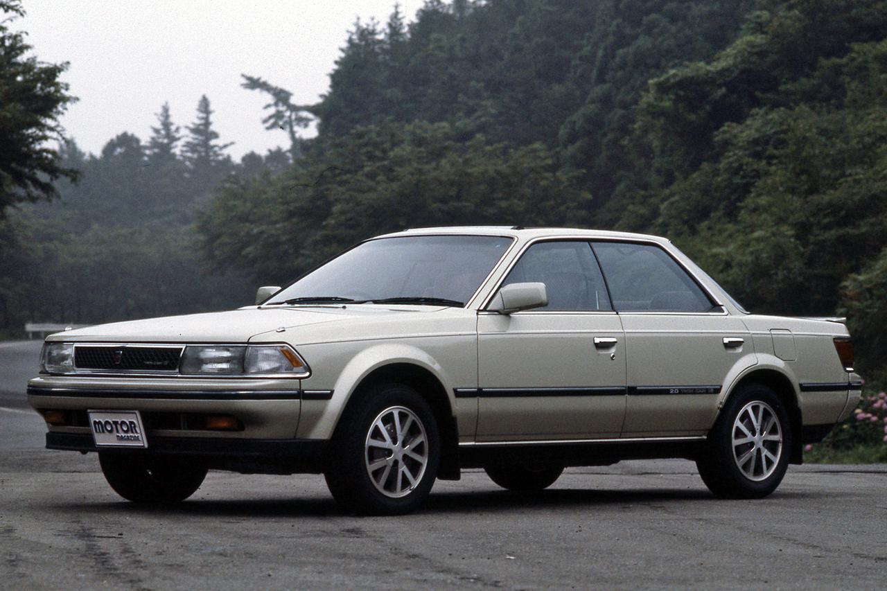 画像: 水平基調のベルトラインに低い車高の4ドアHTボディは、他メーカーにも影響を与えた。