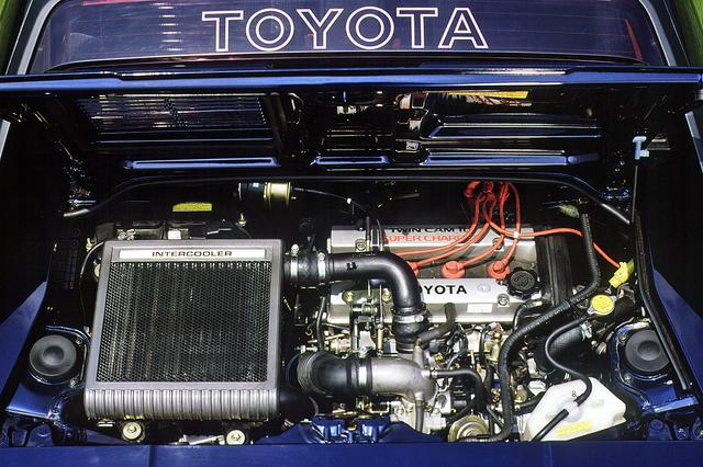 画像: 4A-GZEエンジンは空冷式インタークーラーも備え、ネットで145psにパワーアップした。