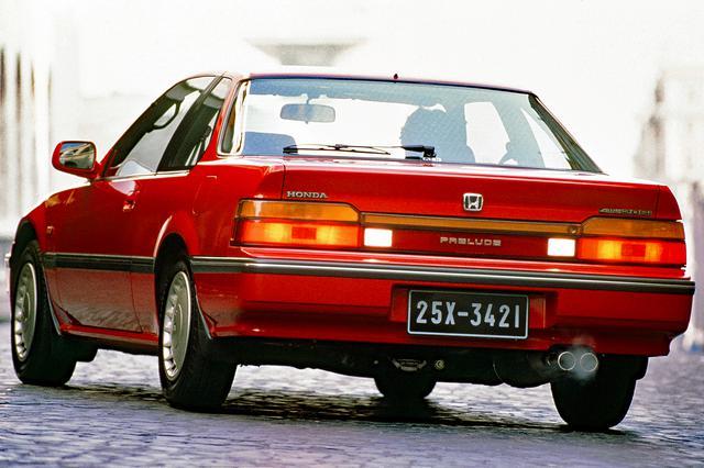 画像: リアビューも先代のイメージを踏襲しており、スペシャリティカーとしての人気は相変わらず高かった。