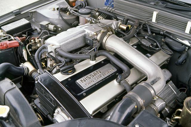 画像: ラインアップ中で最強のエンジンは、205ps/27.0kgmのパワースペックを誇るRB20DET。
