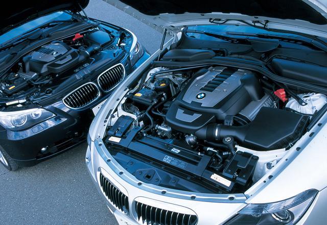 画像: BMW 550i(左)と650iカブリオレに搭載されるエンジンは基本的に同じN62B48B型だが、そのセッティングを微妙に変えている。
