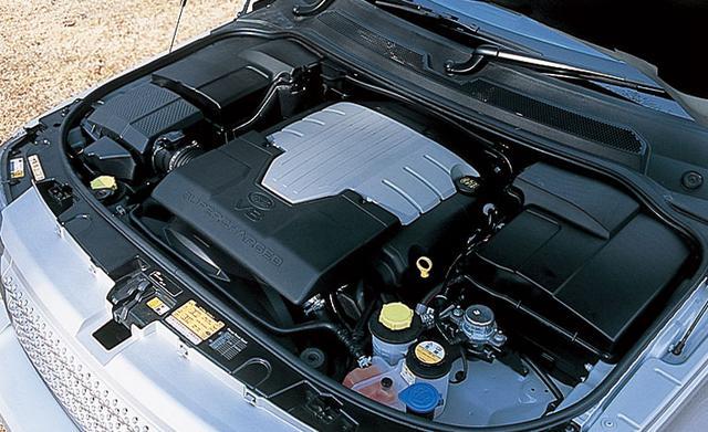 画像: イートン製スーパーチャージャーを装着したジャガー製V8エンジン。
