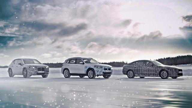画像: BMW iのテスト風景。左からiNEXT、iX3、i4となる。