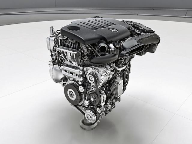 画像: OM654q型クリーンディーゼルエンジンの単体。
