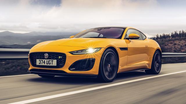 画像: シリーズ最強バージョンの「R」。V8エンジンと4WDとで生み出される走りはエキサイティングの一言だ。