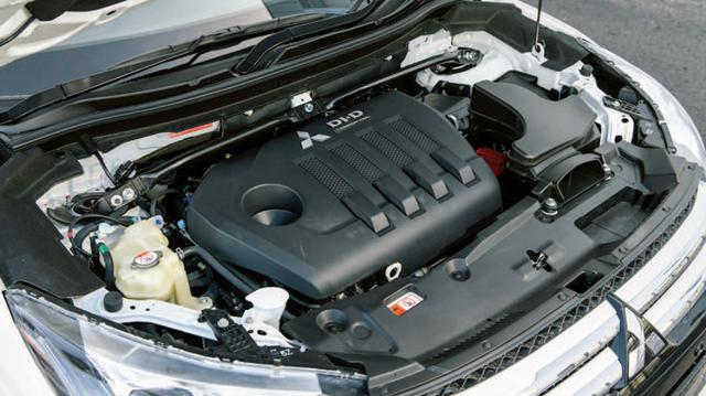 画像: 三菱の古き良きディーゼルエンジンの伝統を根底から覆す新世代ディーゼル。アドブルーで排出ガスをクリーン化。
