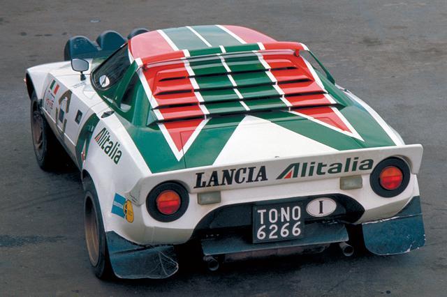 画像: WRC仕様車は高速安定性を高めるために大型のリアスポイラーを装着し、280psのパワーを路面に伝えた。