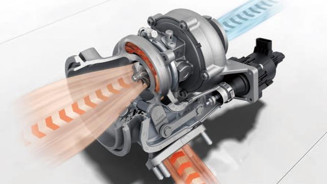画像: 電子制御のウエストゲートバルブを持つシンメトリック構造の大型ターボチャージャー2基により過給を行っている。