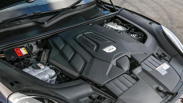 画像: 試乗したモデルは3L V6シングルターボエンジンを搭載。340ps/450Nmで0→100km/h加速は6秒。