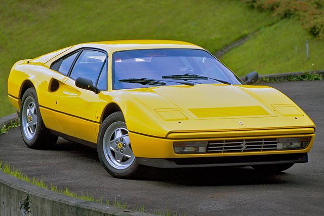 画像: 写真は328GTB。ピニンファリーナのフィオラバンティが手がけたデザインは、歴代フェラーリで最も美しいとも言われている。