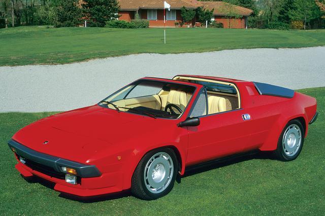 画像: シルエットの後継車として1981年に発表された「ベビー・ランボ」。ボディはタルガトップのみでエアインテークが黒いのはマイチェン前の特徴だ。