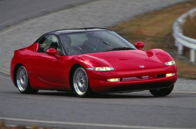 画像: 車重はわずか1100kg。現在の自動車メーカーがやっきになって追求しているコンセプトをいち早く導入していた。