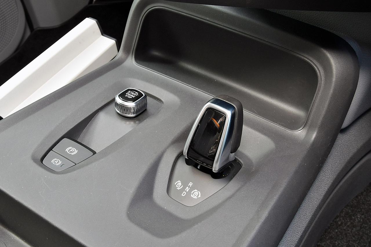 Images : 8番目の画像 - ロンドンタクシー TX「車いす移動車」仕様 - Webモーターマガジン