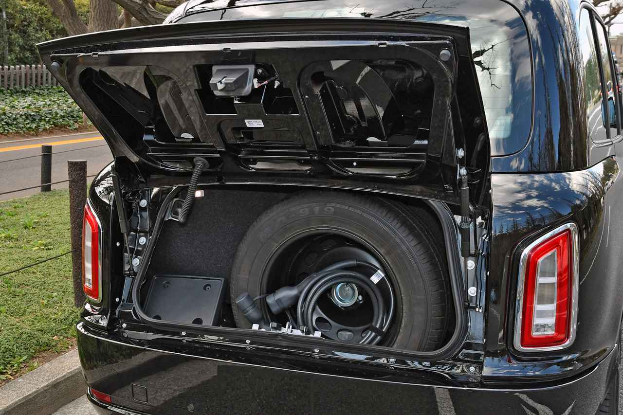 Images : 17番目の画像 - ロンドンタクシー TX「車いす移動車」仕様 - Webモーターマガジン