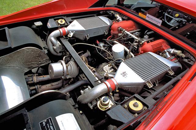 画像: グループCカーのランチアLC2用の3L V8をベースに開発された2.8Lツインターボ。