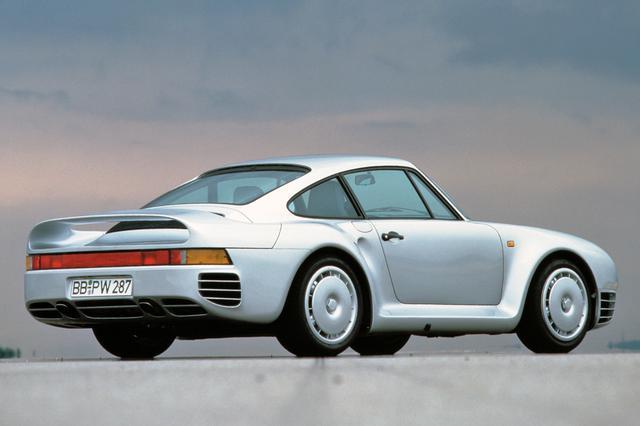 画像: 959は1986年のパリ〜ダカール ラリーで総合優勝、ル・マン24時間ではレース仕様の961がクラス優勝するなど、数多くの戦績を残した。