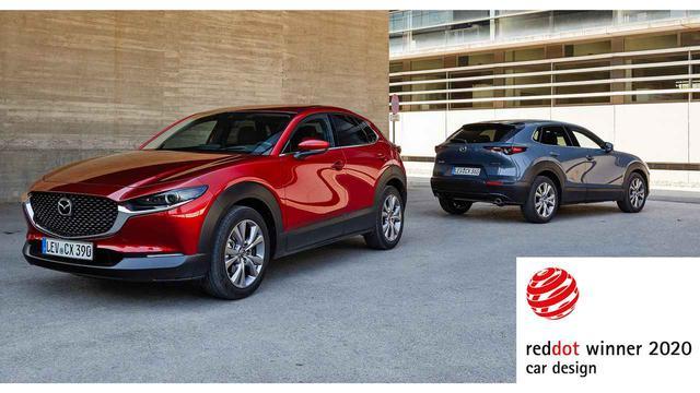 画像: MX-30と同時に、プロダクトデザイン部門のレッドドット賞を受賞したCX-30。新世代ガソリンエンジン、スカイアクティブXを搭載することでも知られる。