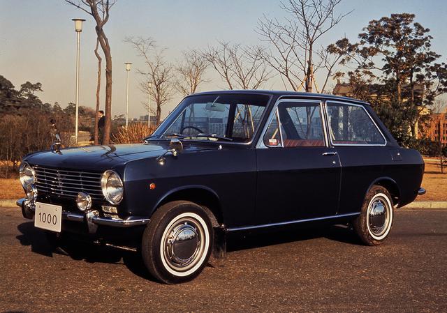 画像: 一般公募によって車名が決まった初代ダットサン・サニー1000。